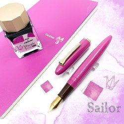 日本 SAILOR 寫樂 × PLUS Ca.Crea Premium Cloth筆記本 限定聯名款 鋼筆禮盒組(紫色)