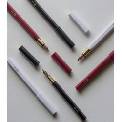 臺灣 Y studio:物外設計 文字的重量 平衡系列 鋼筆(三色可選)