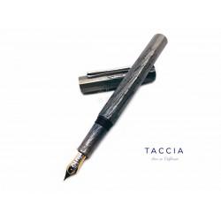 日本 TACCIA 「Hyakko-Hisho」 百⼯⽐照 硬橡膠上漆 鋼筆(白銅)