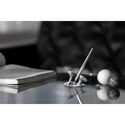 臺灣 novium 自立筆 抵抗地心引力,探索無限可能的漂浮筆  星際系列(太空銀)『限期九折中!』